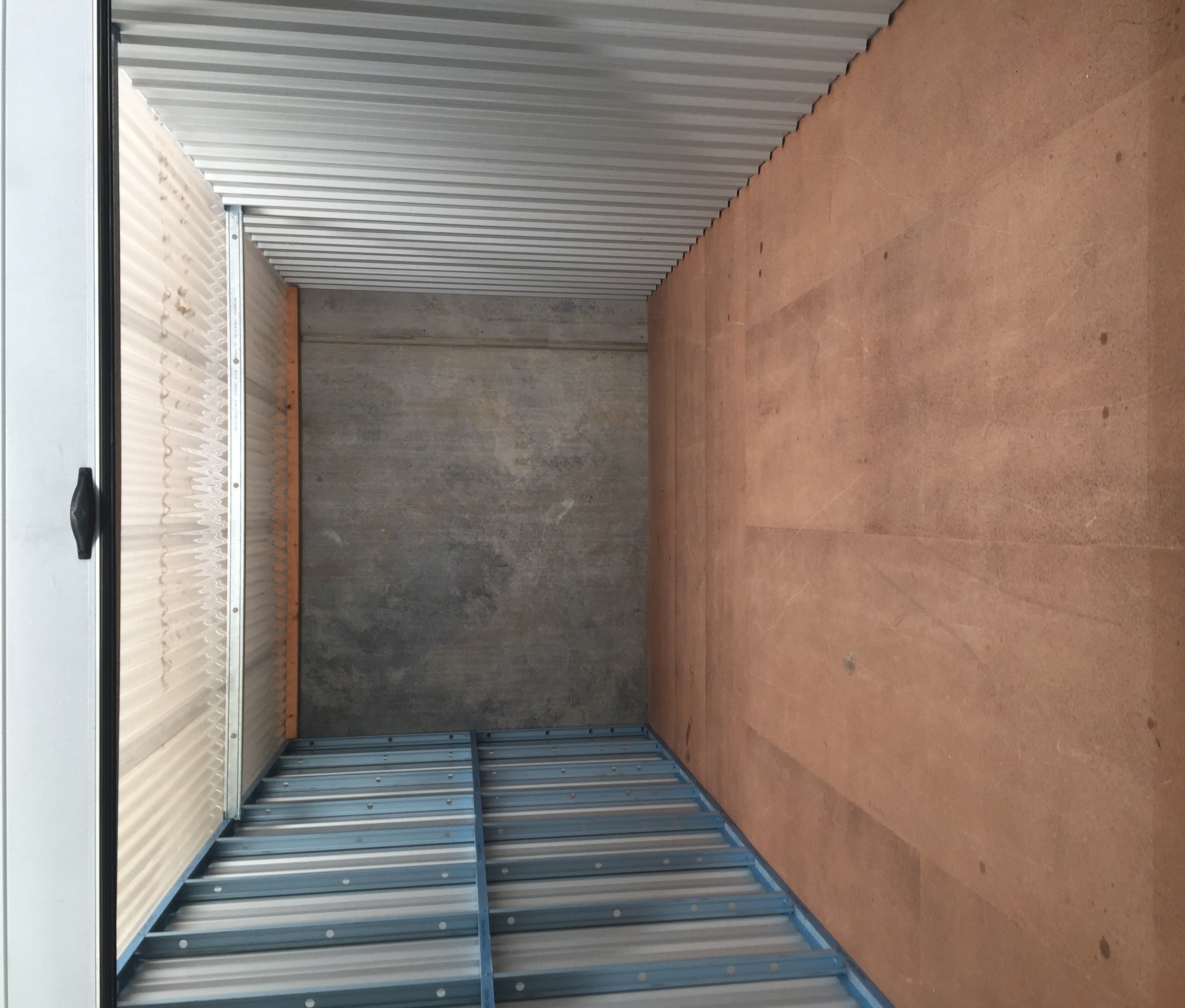 Large Unit 6 x 3 x 2.4 metres 43.2 cubic metres & Units u0026 Storage - That Big Self Storage Place Wyong Central Coast